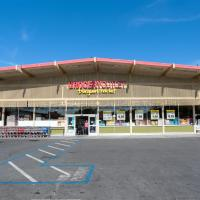 Grocery Outlet exterior